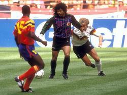 René Higuita wagt bei der WM 1990 in ein Tänzchen