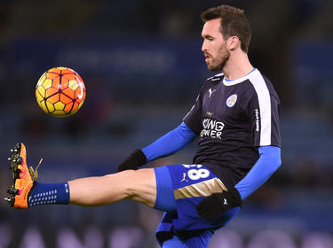 Christian Fuchs en un calentamiento del Leicester City. (Foto: Getty)