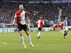 Nicolai Jørgensen schreeuwt het uit na zijn treffer tijdens het competitieduel sc Heerenveen - Feyenoord (19-03-2017).