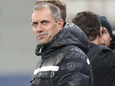 Viktoria-Coach Roman Pivarnik rutschte mit seinem Team von der Spitze