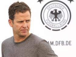Oliver Bierhoff fordert die Bayern zur Zurückhaltung auf