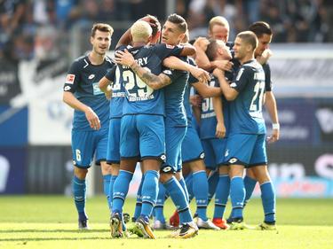 1899 Hoffenheim bejubelt den 2:0-Sieg gegen Schalke 04