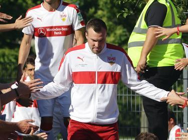Kevin Großkreutz begrüßt die Stuttgarter Fans