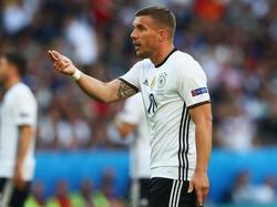 Lukas Podolski will wieder mehr Typen im Fußball
