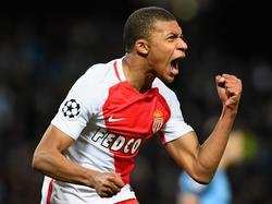 Kylian Mbappé hizo el 1-0 en el Luis II de Mónaco. (Foto: Getty)
