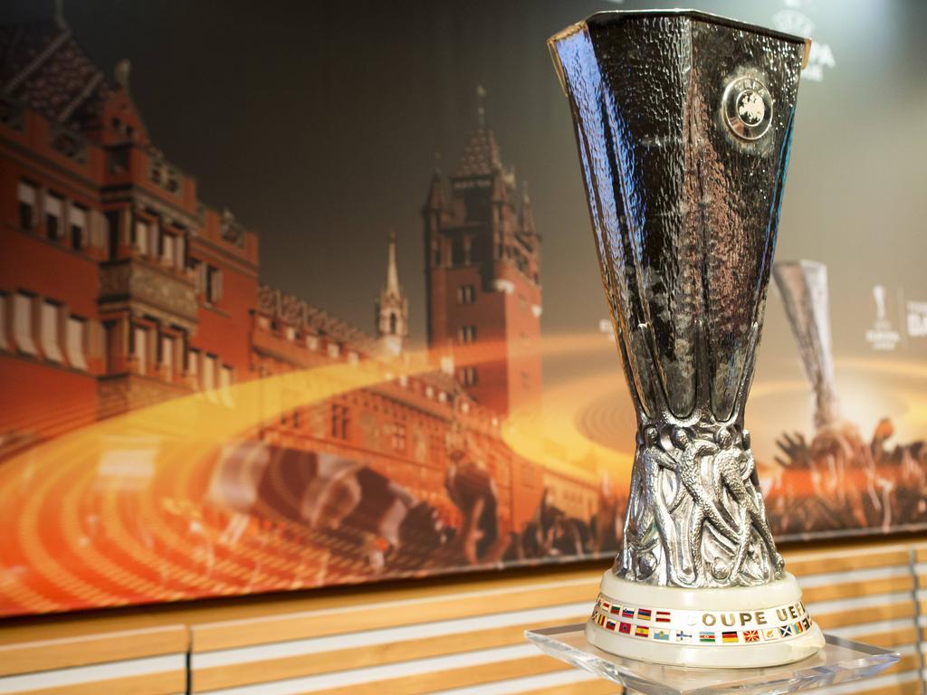 Schalke muss in Amsterdam ran