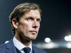 Alex Pastoor heeft alle reden om tevreden te zijn, want zijn Sparta Rotterdam wint voor eigen publiek met 3-1 van Heracles Almelo. (18-03-2017)