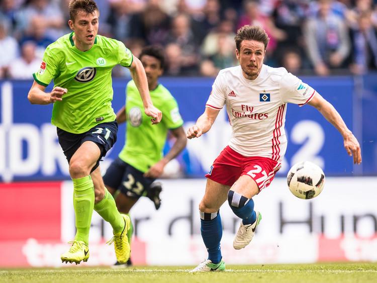Nicolai Müller (r.) ist ins Visier des VfL Wolfsburg geraten