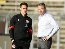 Maurice Litka (l.) bleibt dem FC St. Pauli treu