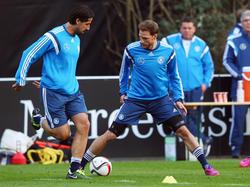 Nationalspieler Sami Khedira (l.) und Benedikt Höwedes stehen vor Einsätzen für Juventus