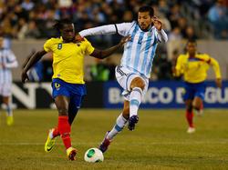 Felipe Caicedo (l.) könnte schon bald wieder in Spanien spielen
