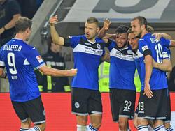 Kollektiver Bielefelder Jubel nach dem 2:0 durch Konstantin Kerschbaumer