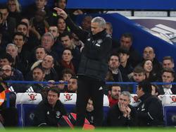 United-Trainer José Mourinho an alter Wirkungsstätte an der Stamford Bridge
