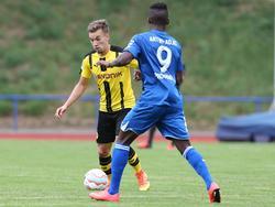 Der SC Paderborn verpflichtet Christopher Antwi-Adjei (r.)