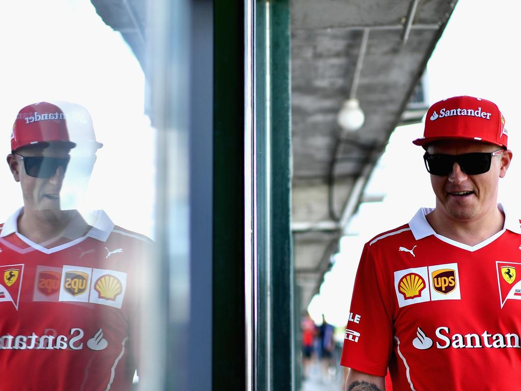 Die Scuderia Ferrari hat den Vertrag von Kimi Räikkönen um ein Jahr verlängert