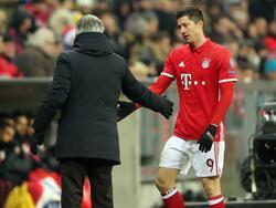 Bayern-Coach Carlo Ancelotti beschäftigt sich noch nicht mit einer möglichen Alternative zu Robert Lewandowski