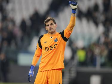 Iker Casillas continuará defendiendo los colores del club luso. (Foto: Getty)
