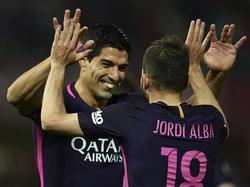 """Der """"Beißer"""" war mal wieder zur Stelle: Luis Suárez (l.) trifft beim Barça-Sieg"""