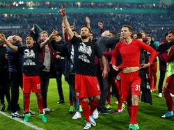 Eintracht Frankfurt feiert den Pokalsieg in Gladbach
