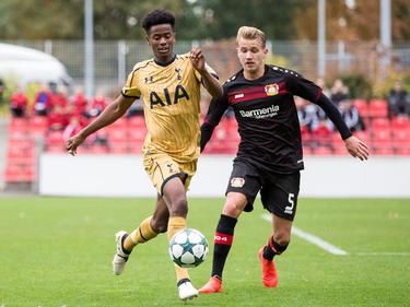 Lukas Boeder (r.) wechselt auf Leihbasis zum SC Paderborn