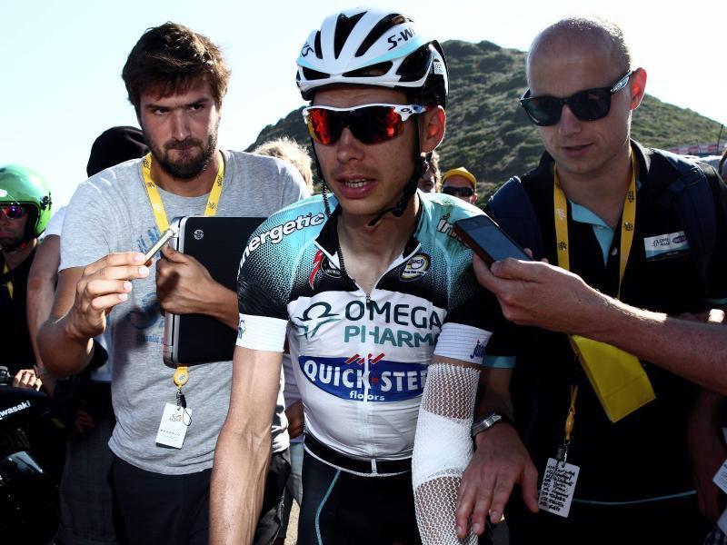 Teamarzt Helge Riepenhof (r) achtet auch auf die Ernährung der Tourfahrer. Foto: Photopqr/Le Parisien/Matthieu de Martignac