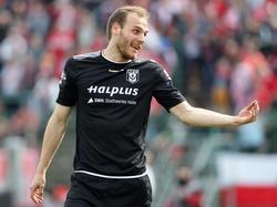 Halles Timo Furuholm hat um zwei Jahre verlängert