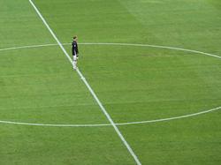 Manuel Neuer sieht ab und zu verloren aus, so wenig hat er bislang zu tun