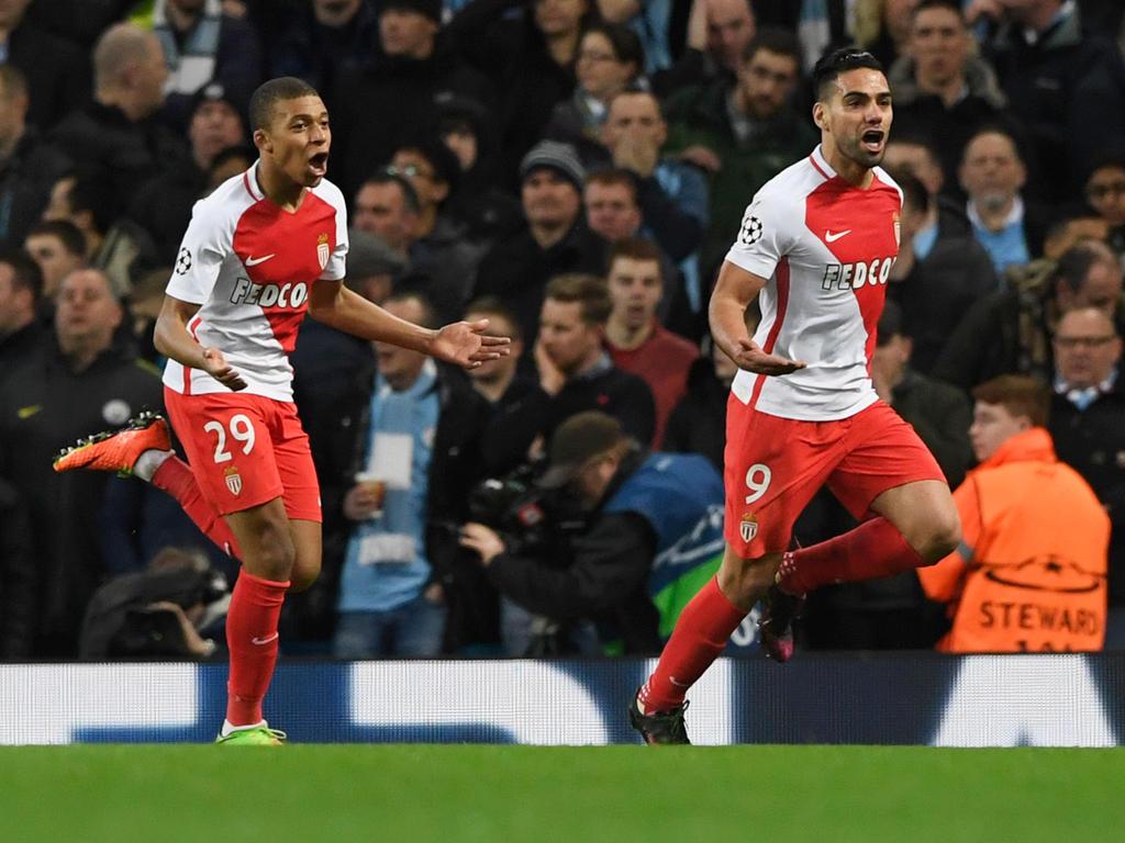 Radamel Falcao (re.) und Kylian Mbappé (li.) haben Monaco gegen Lyon zum Sieg geschossen