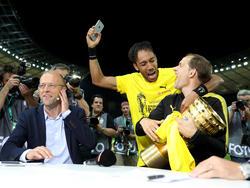 Thomas Tuchel (r.) kann sich einen Verbleib in Dortmund weiter vorstellen