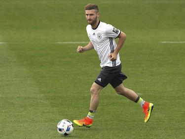 Shkodran Mustafi soll vor einem Wechsel zu Arsenal stehen