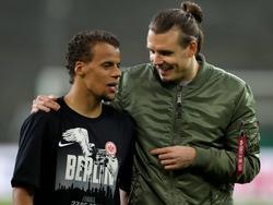 Alexander Meier (r.) hofft, dass er bis zum Pokalfinale wieder fit ist