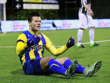 Tom Boere baalt tijdens het competitieduel Achilles'29 - FC Oss (18-11-2016).