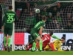 Da ist er drin: Werder kassiert das 2:2 kurz vor Schluss