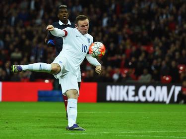 Auf dem Weg zur EM bestimmt die Diskussion um Wayne Rooney die Schlagzeilen