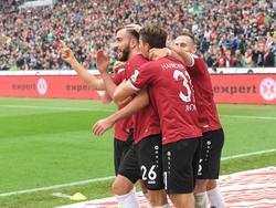 Karaman bringt Hannover gegen St. Pauli mit 1:0 in Führung. (01.10.2016)