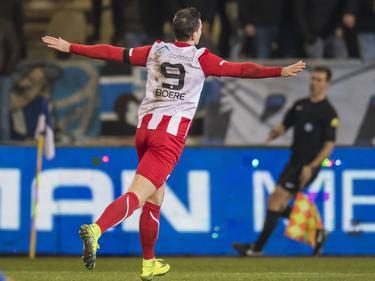 Voor de negentiende keer dit seizoen kan Tom Boere juichen na een doelpunt. Hij maakt tegen De Graafschap zijn hattrick compleet en zorgt voor de 1-4. (02-12-2016)