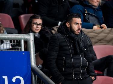 Oussama Assaidi komt kijken bij de wedstrijd FC Twente - Heracles Almelo. De aanvaller is nog niet speelgerechtigd voor de thuisclub. (20-01-2017)
