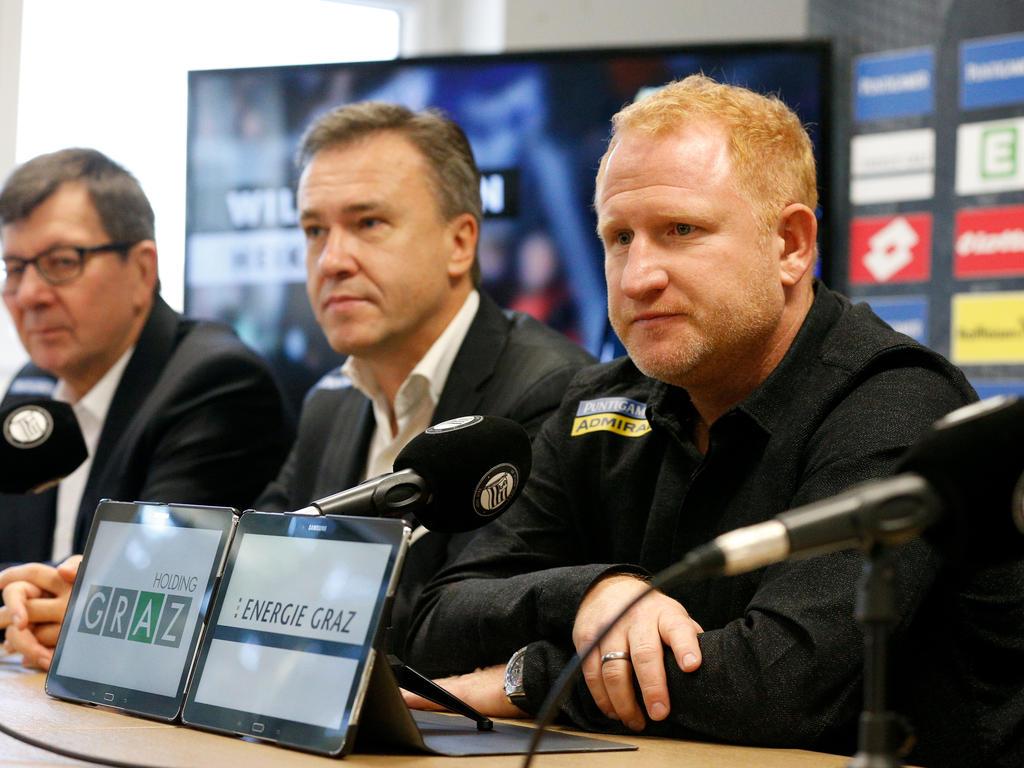 Heiko Vogel (r.) bei seiner ersten Pressekonferenz im Medienzentrum von Sturm Graz