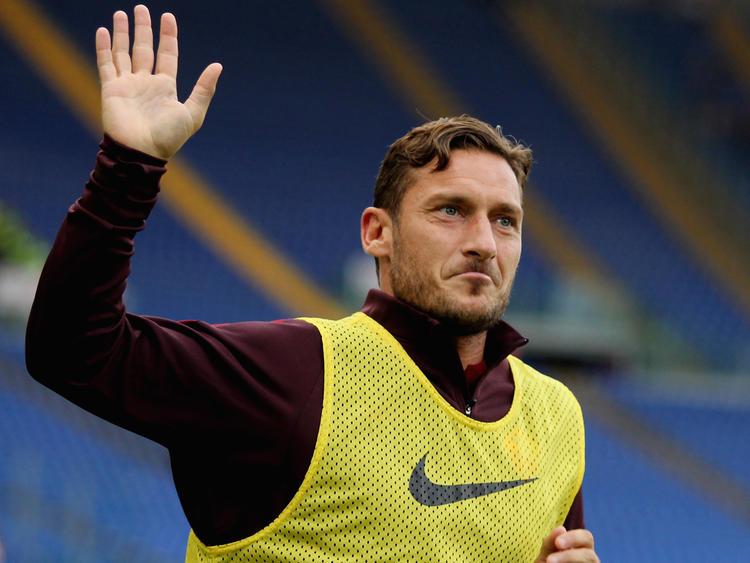 Francesco Totti bleibt der Roma wohl doch noch ein weiteres Jahr erhalten
