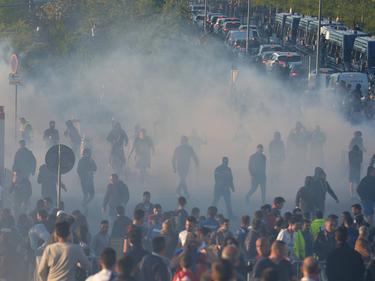 Disturbios en Lyon antes del partido (Foto: AFP)