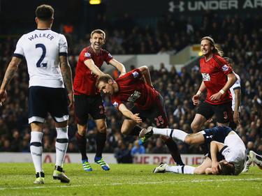 Nach seinem Eigentor zugunsten von Tottenham erzielt Craig Dawson (M.) einen Treffer auf der richtige Seite
