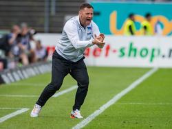 Pál Dárdai freut sich über den Pokalsieg des BVB