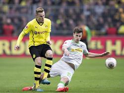 Marvin Ducksch (l.) läuft zur neuen Saison für St. Pauli auf