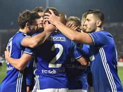 Schalke 04 ließ in Griechenland nichts anbrennen und siegte verdient