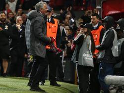 José Mourinho jubelt mit den Fans