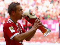 Prost! Philipp Lahm freut sich auf die Zeit nach der Karriere