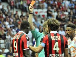 Mario Balotelli (l.) flog im letzten Spiel vom Platz