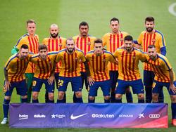 El FC Barcelona posa antes de jugar ante Las Palmas. (Foto: Getty)