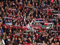 Eine kleine Gruppe Feyenoord-Fans ist in Neapel auffällig geworden