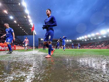Bryan Oviedo bleibt Everton treu.